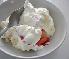 Merengue (Eton mess) | by Patricia Scarpin