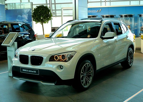 bmw x1 sdrive18i the bmw x1 is a crossover compact suv. Black Bedroom Furniture Sets. Home Design Ideas