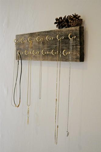reclaimed wood necklace holder | gillian. | Flickr