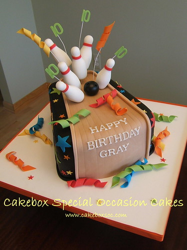 Gray's bowling cake | by Cakebox Special Occasion Cakes