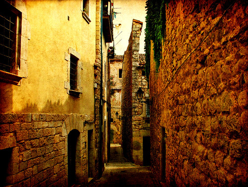 Streets of Girona (X) | by ToniVC
