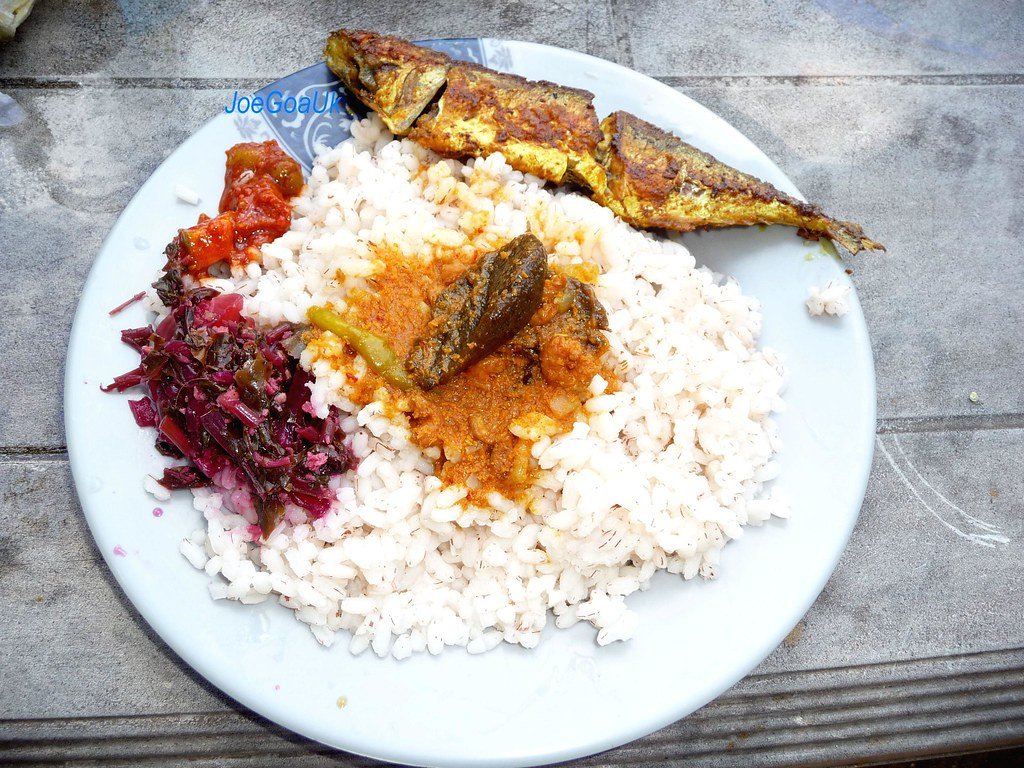 Fish Curry Rice Plate Boiled Rice Or Ukllem Xit Esparanc Flickr