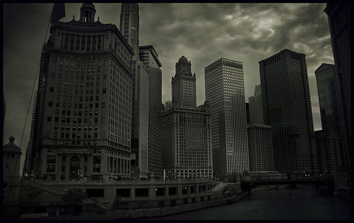Evening falls on Chicago | by grits'n collards, friend to all