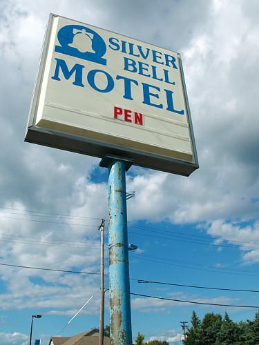 Silver Bell Motel Hartford Wi