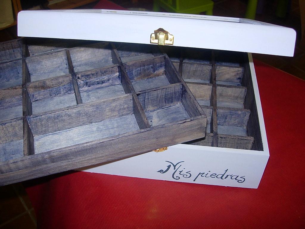 Cajas joyeros dedalero y baules pintados a mano flickr - Baules pintados a mano ...