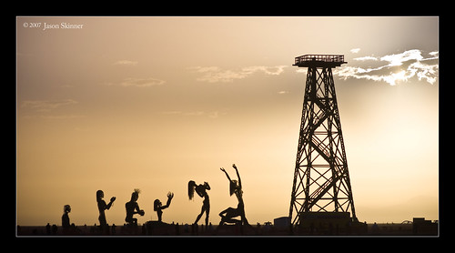 Oil Derrick Worship | by skinr