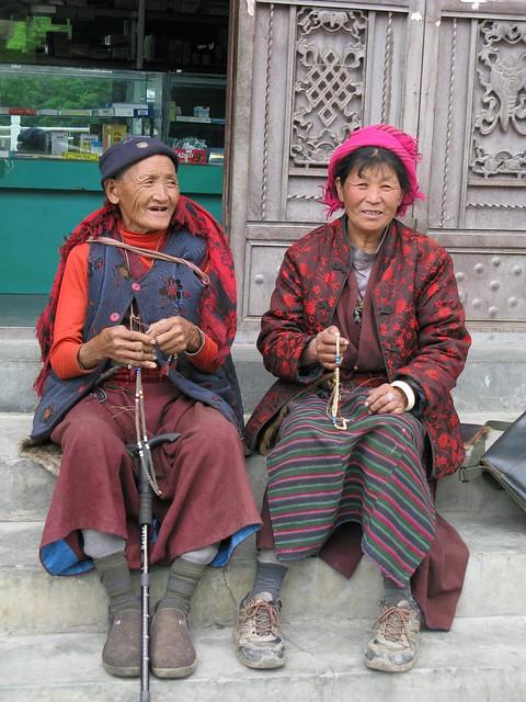 日瓦村老婦人一
