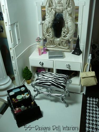 Barbie Dollhouse Vanity Area