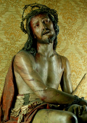 Statue of Jesus with C...
