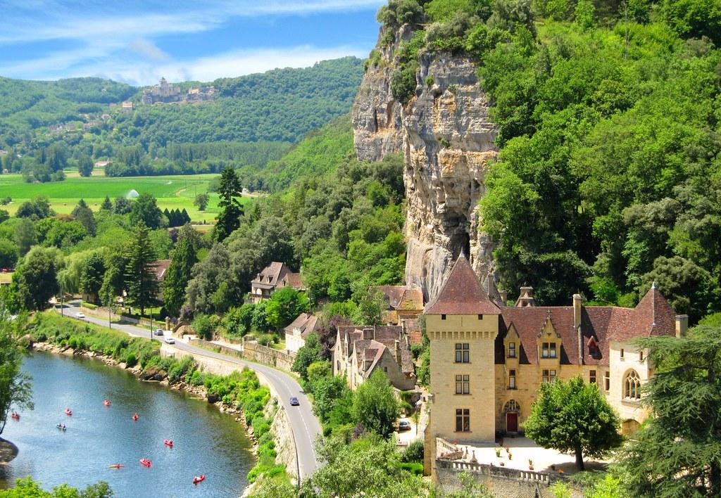 Summertime at Château de la Roque-Gageac