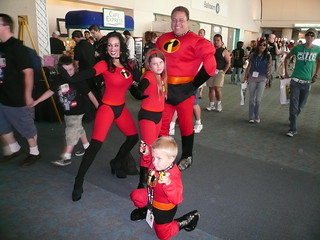 Incredibles cosplayer family, ComicCon 2007, San Diego, CA.jpg | by gruntzooki