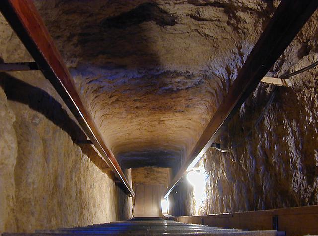 pyramide de mykrinos intrieur by zetourdumonde pyramide de mykrinos intrieur by zetourdumonde