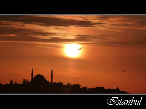 Istanbul sunset | by Aloriel