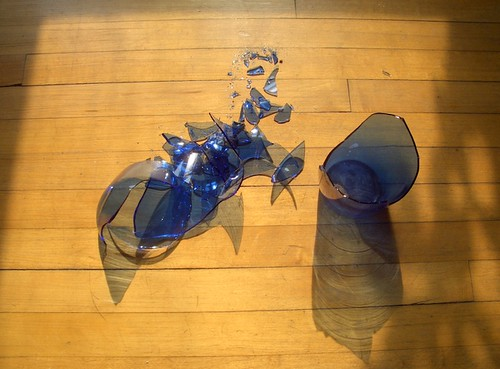 Broken Blue Glass Chicago 2007 I Broke A Vase This Mornin Flickr