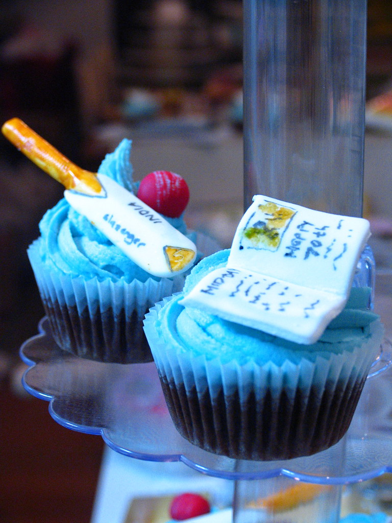 Cricket Newspaper Cupcakes Cupcakes For An Indian Newspa Flickr
