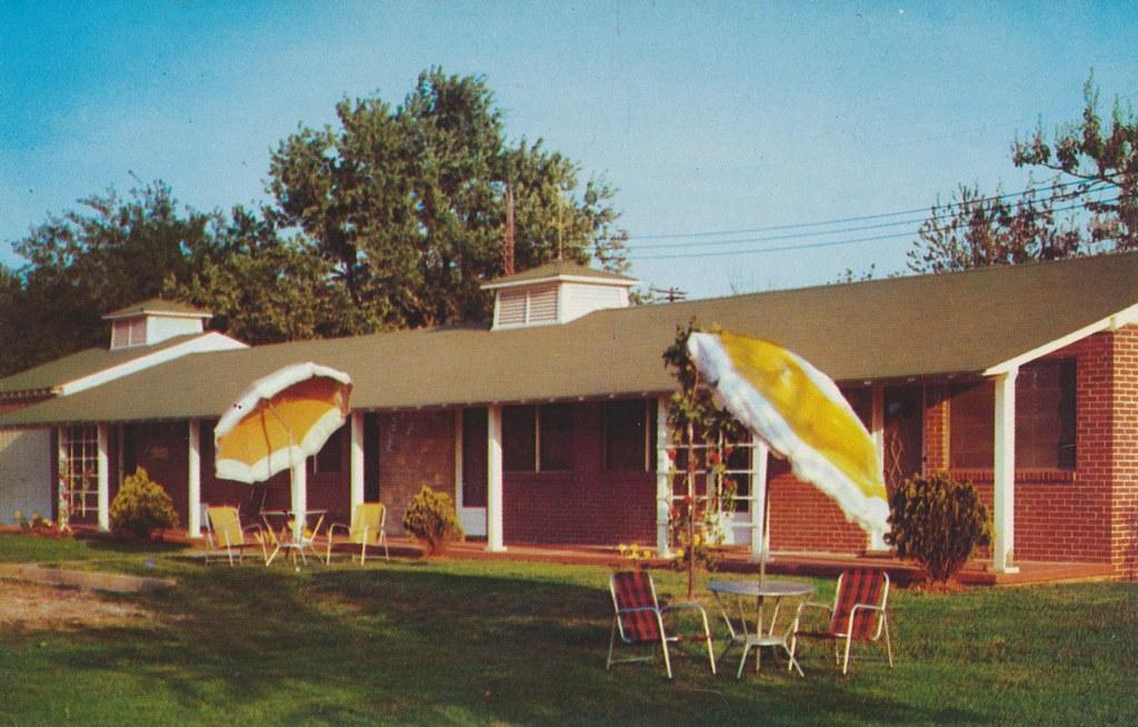 Monte Plaza Motel - Huntsville, Alabama