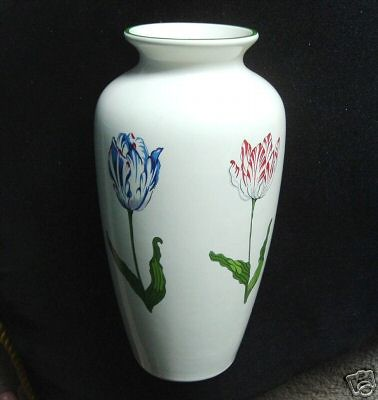 Tiffany Tulips Pottery Vase This Is A Pottery Vase Designe Flickr