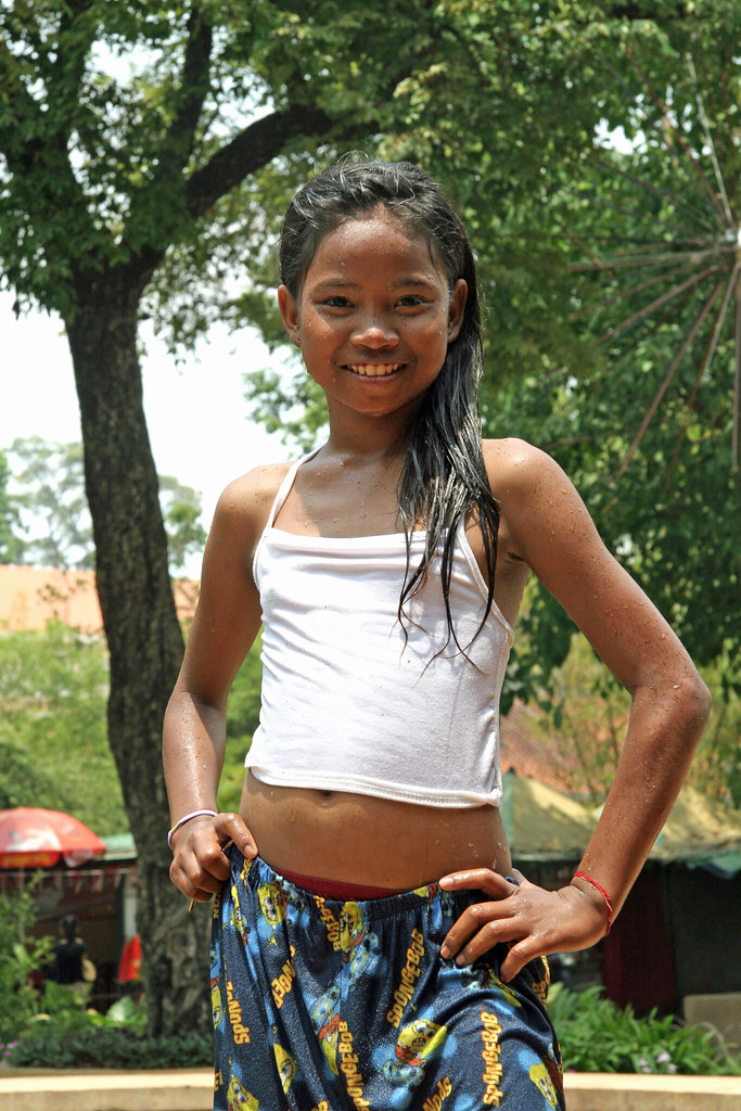 Cambodia girl frozen pic 93