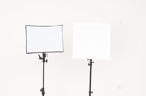 The $10 DIY Foamcore Softbox | by udijw
