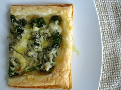 Broccolini, cheese and rosemary tart / Torta de brócolis, queijo e alecrim | by Patricia Scarpin