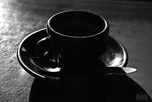 A good coffee ... / Un buen café ... | by victor_nuno