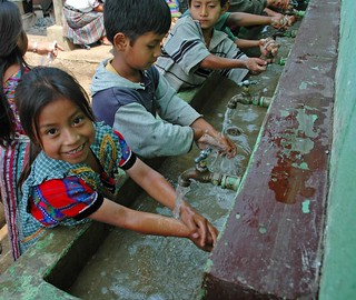Children Washing Hands at School Handwashing Station in Pahuit, Guatemala | by Water, Sanitation, and Hygiene Photos