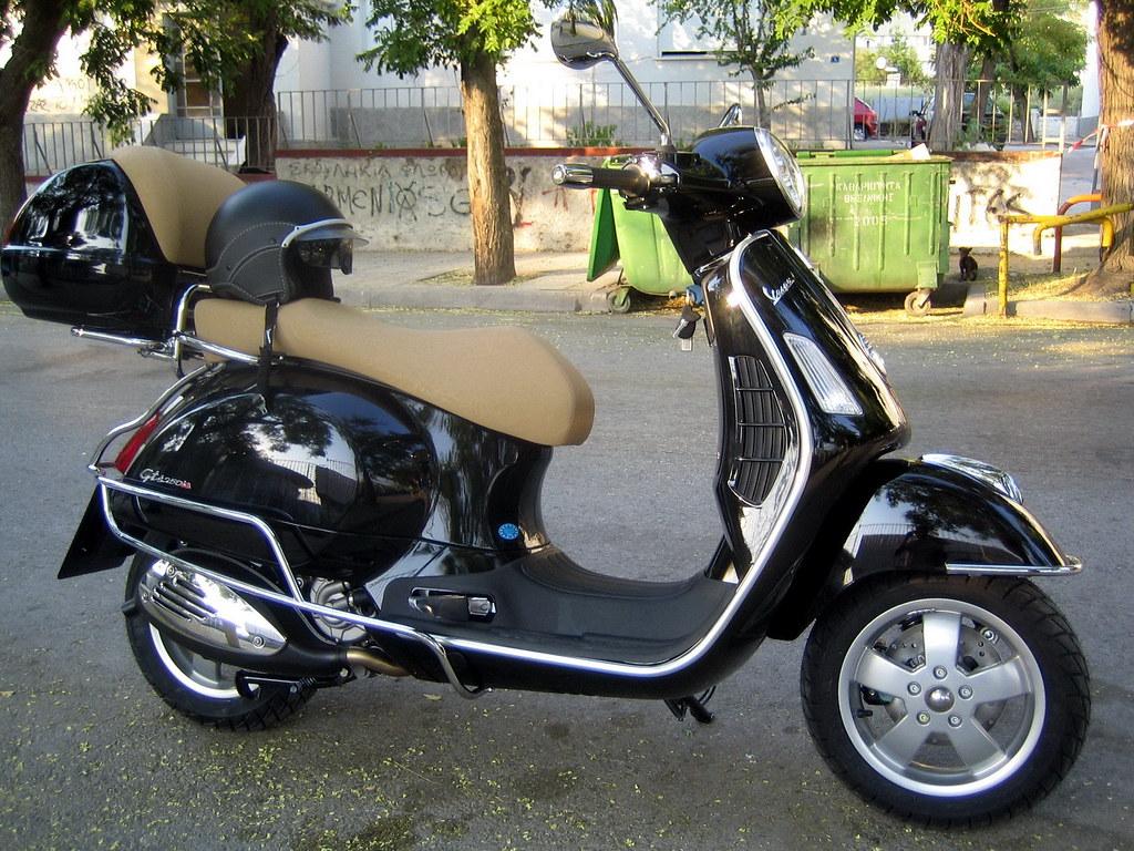 Vespa Gts 250 Vespa Gts 250 Constadinos Vito Flickr