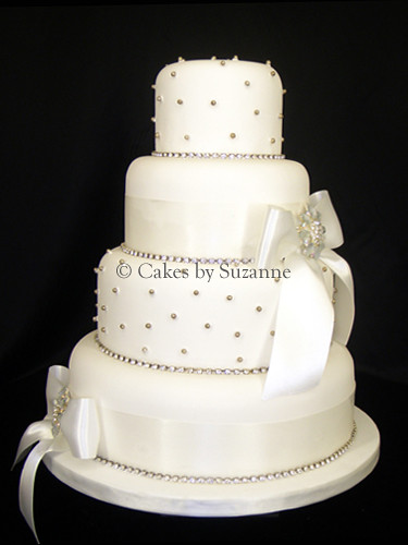 how to make a diamante wedding cake stand diamante bow wedding cake suzanne mawhinney flickr 15804