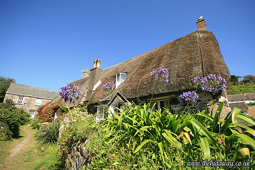 A Cadgwith cottage | by Simon Bone Photography