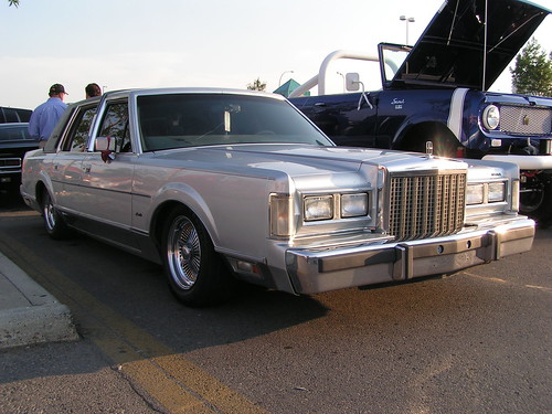 Lincoln Town Car Lincoln Town Car Lowered With Wire
