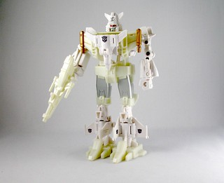 "Takara Micromasters ""Berserker"" Six-Wing (White Chase version) 