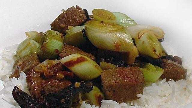 Recept lamsfilet met prei, boomoren en gele bonen