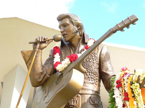 Elvis Statue in Hawaii | by hawaii