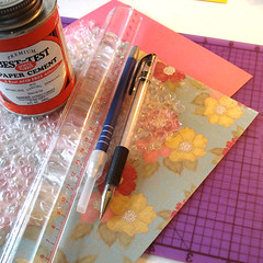 Make Your Own Bubble Mailer | by 27things