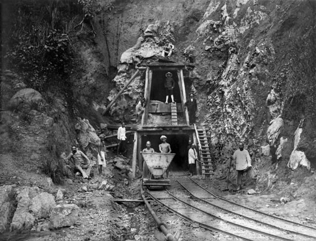 mijnwerkers bij de ingang van een mijn mining nationaal flickr