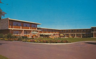 Chevron Motor Hotel, Ltd. - Calgary, Alberta | by The Cardboard America Archives