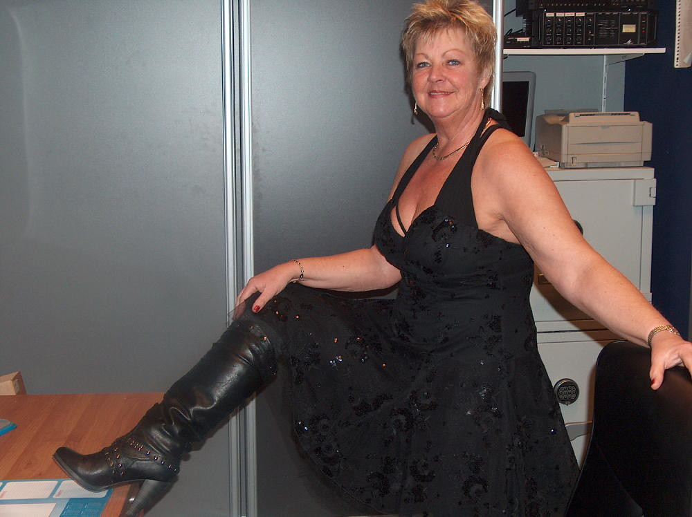 matures black Free porn: Mature, Granny, Milf, Mature Lesbian, Teen, Chubby and much more.