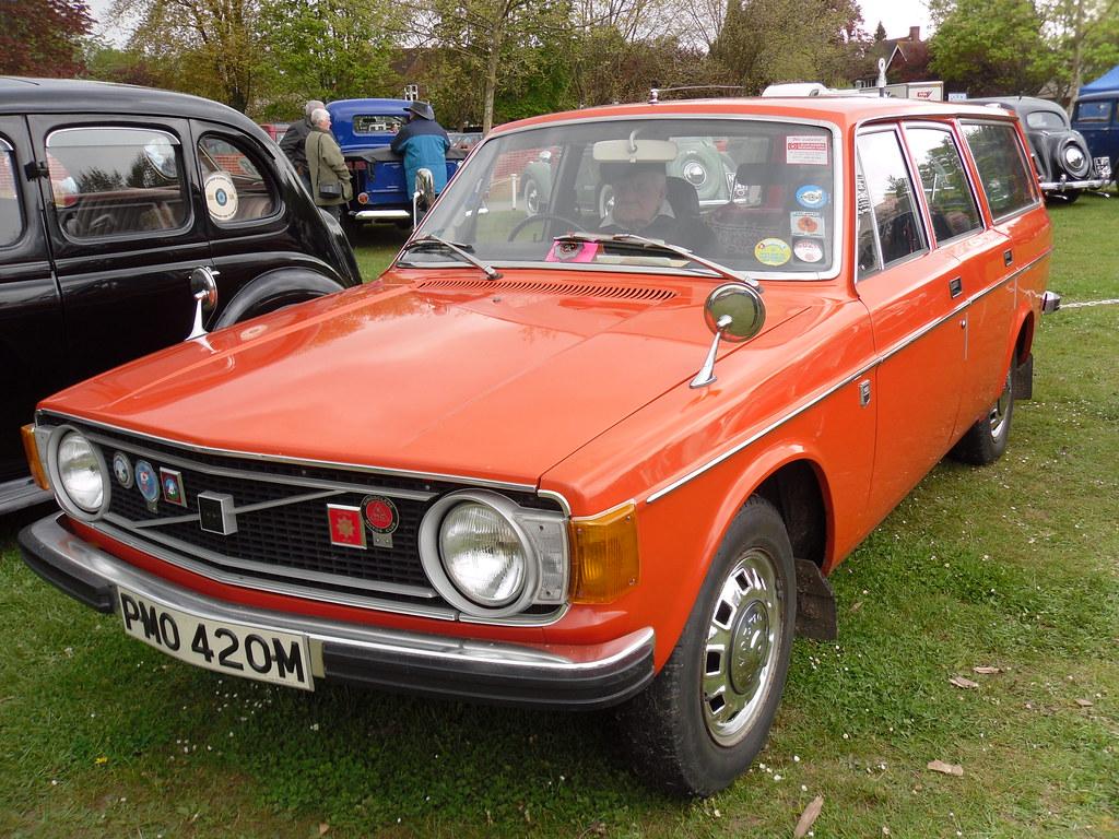 1973 VOLVO 145 2.0 DL ESTATE   I do see alot of older Volvos…   Flickr