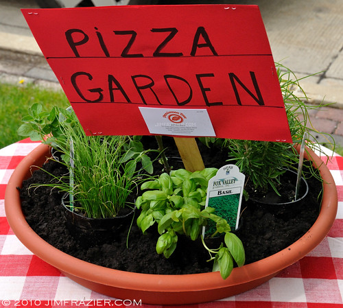 pizza garden by jim frazier - Pizza Garden