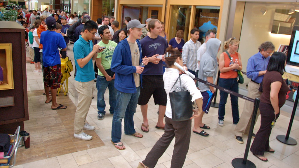 Iphone 4 Launch Apple Store Chestnut Hill Chris Devers Flickr