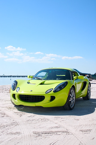 Lotus Elise The Beach IPhone Wallpaper