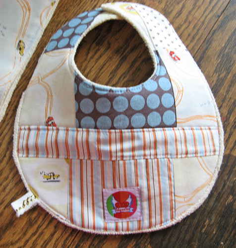 sew she sews bib tutorial rabbits and racecars | by lesleyandsara