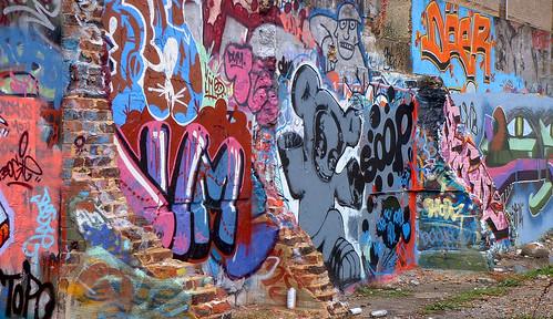 Black Graffiti Spray Paint Brand