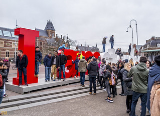 083 i amsterdam tourists | by Eva Blue