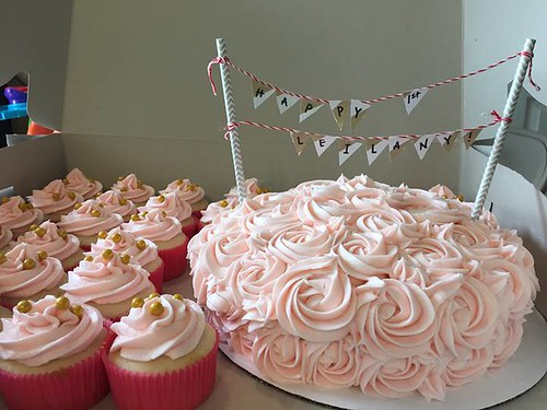 Rose cake and cupcakes, Northern Utah, www.birthdaycakes4free.com | by Birthday Cakes 4 Free