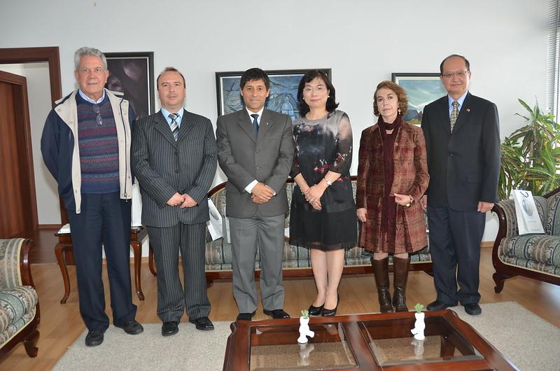 SALUDO PROTOCOLARIO DE LA OFICINA COMERCIAL DE LA REPÚBLICA DE CHINA (TAIWÁN) A LA PUCE. 31.03.2016