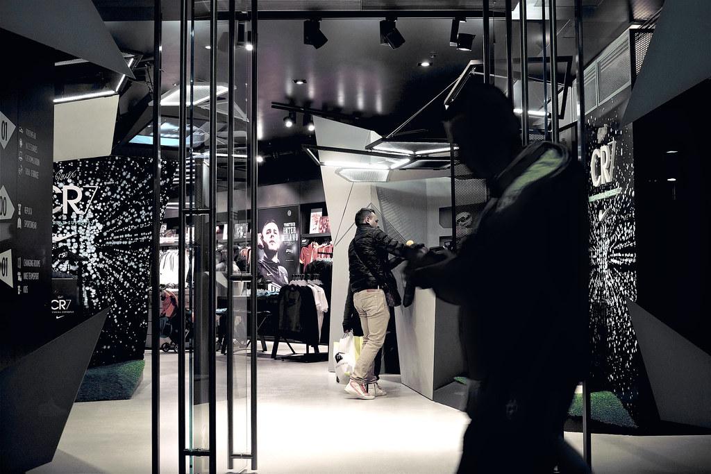 cr7 store milano