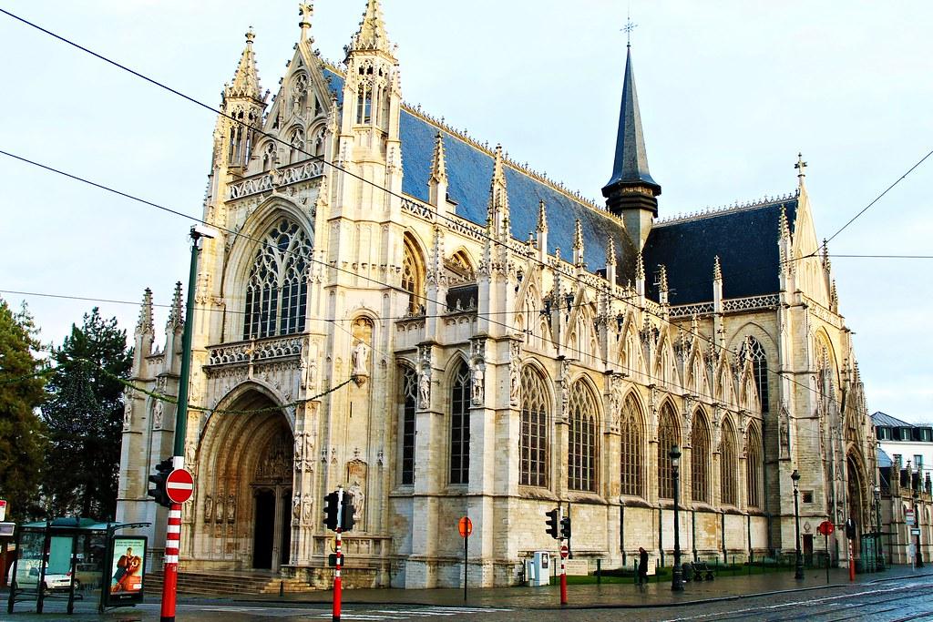 Drawing Dreaming - 48 horas em Bruxelas - o que fazer - Igreja Notre Dame Sablon