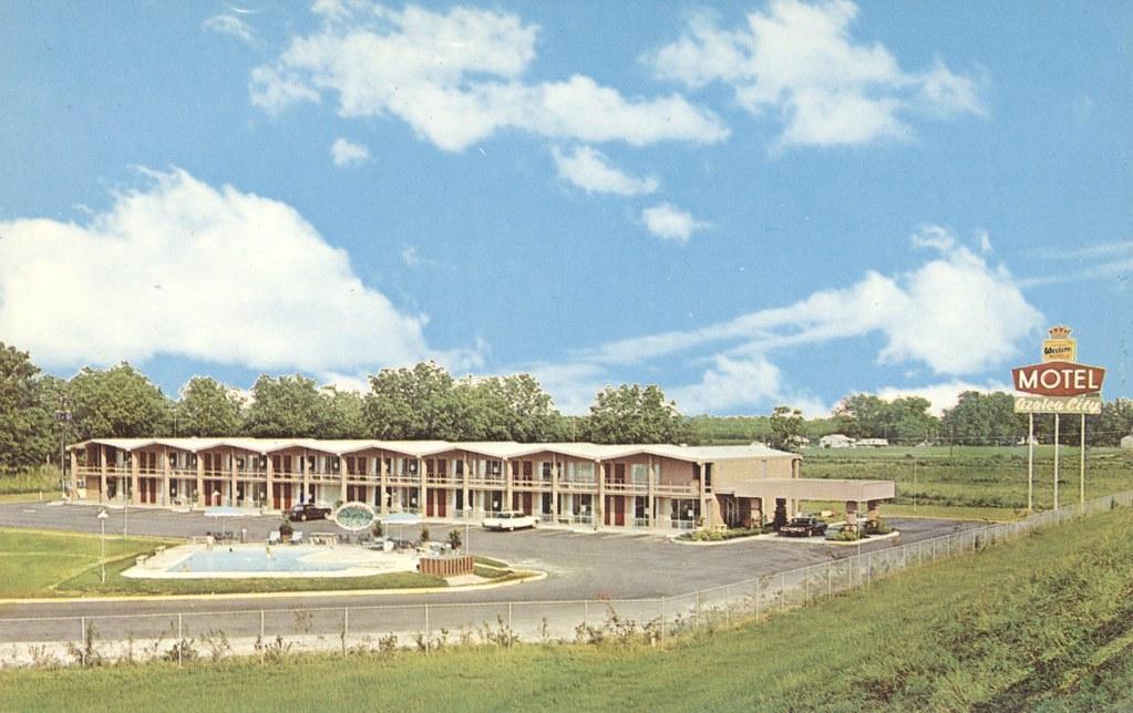 Azalea City Motel - Valdosta, Georgia