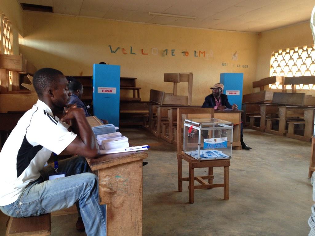 Bureau de vote cameroun 2013 Élections québec flickr